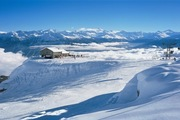 mountain huts and numerous groomed slopes as well as off-piste skiing in the Crans-Montana snowsports area