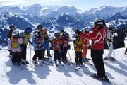 group lessons with certified snowsports instructors of the Gstaad-Saanenland